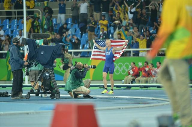 2nd Lt. Sam Kendricks wins pole vault bronze at Rio Olympic Games