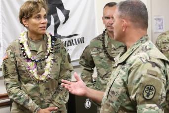 The Army Surgeon General visits WTB-Hawaii