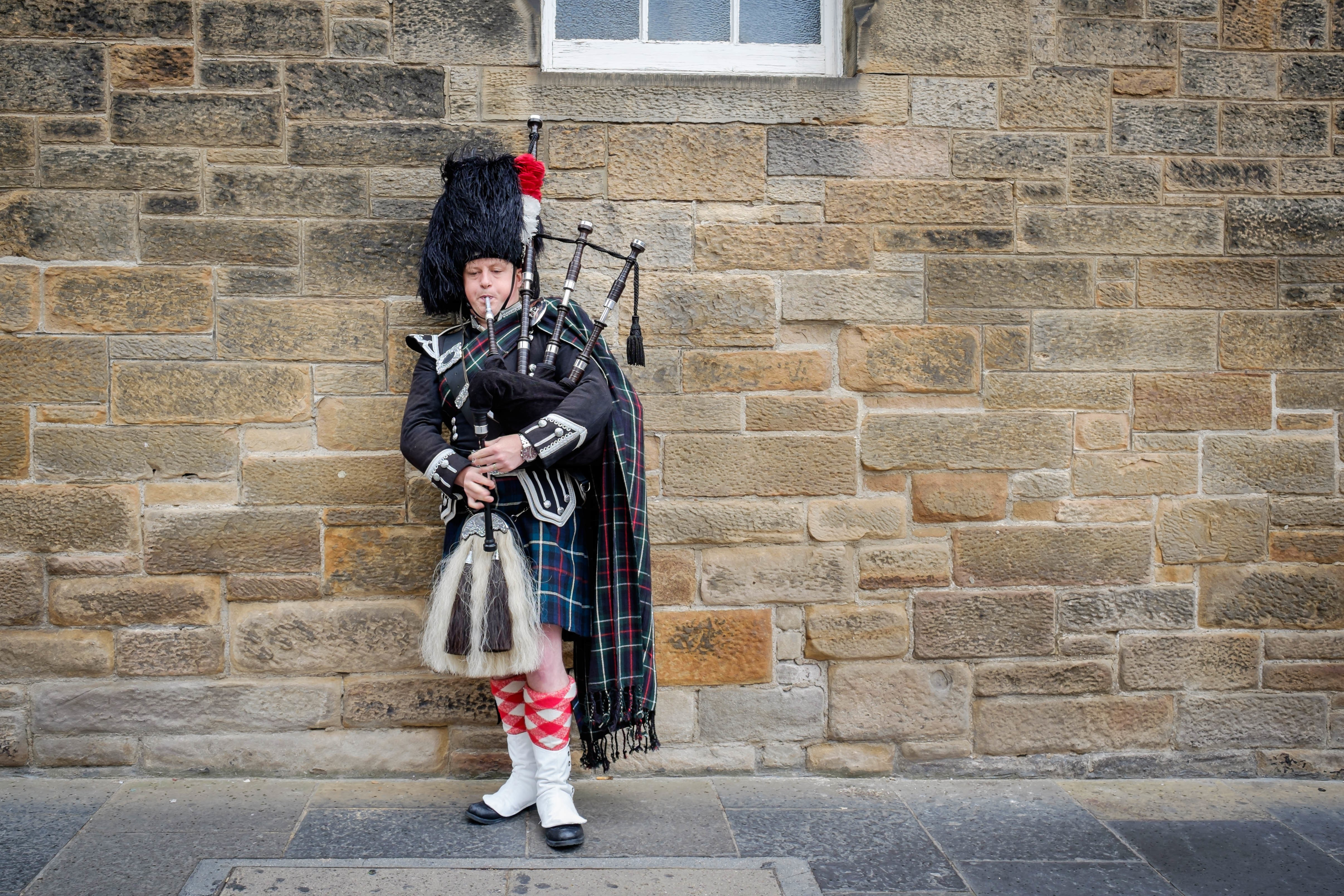 Army europe band represents america at scotland 39 s royal for Scotland military tattoo