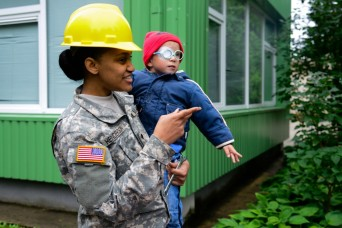 Lithuanian, U.S. forces work together to help orphans