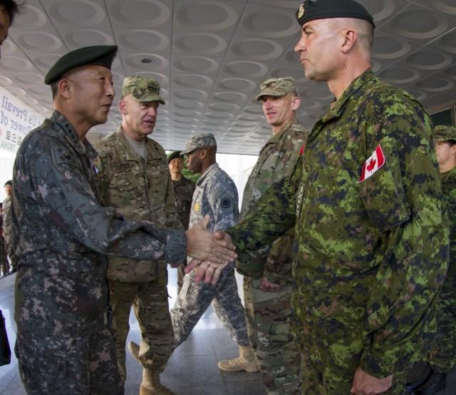 Ki-Hak Eom greets Gen. Omer Lavoie