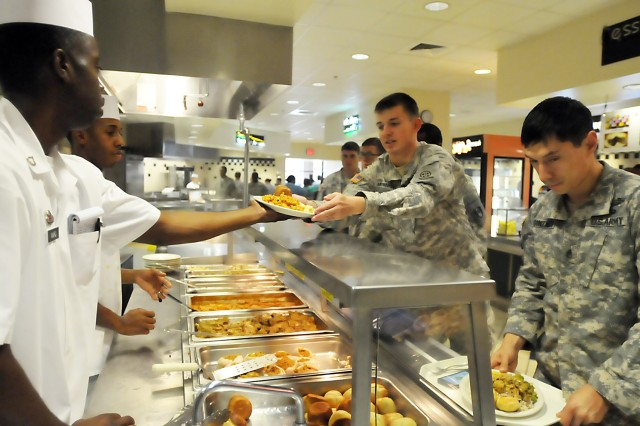 Soldiers receive their lunch at the 82nd Airborne Division's Sustainment Brigade dining facility supported by LRC-Bragg at Fort Bragg, North Carolina. (Photo by Jon Micheal Connor, ASC Public Affairs)