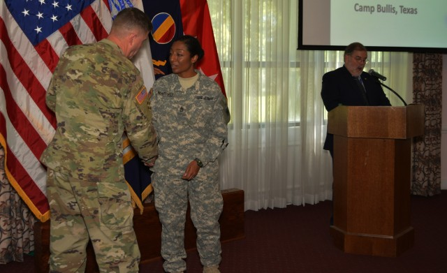 80th Training Command captures TRADOC 2015 Reserve Instructor Of the Year again