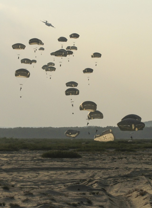 Sky Soldiers descend on Poland in support of Operation Atlantic Resolve