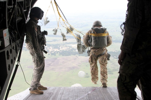 A paratrooper with Delta Company, 52nd Infantry Regiment (Long Range Surveillance), exits a CH-47 Chinook on Rapido Drop Zone Sept. 1, 2016 at Fort Hood.