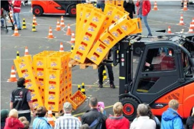 ASCHAFFENBURG, Germany -- Six Soldiers formed two three-man teams to compete against the best operators from around the world at the  Stapler Cup International Forklift Championship here from September 14 -- 17.