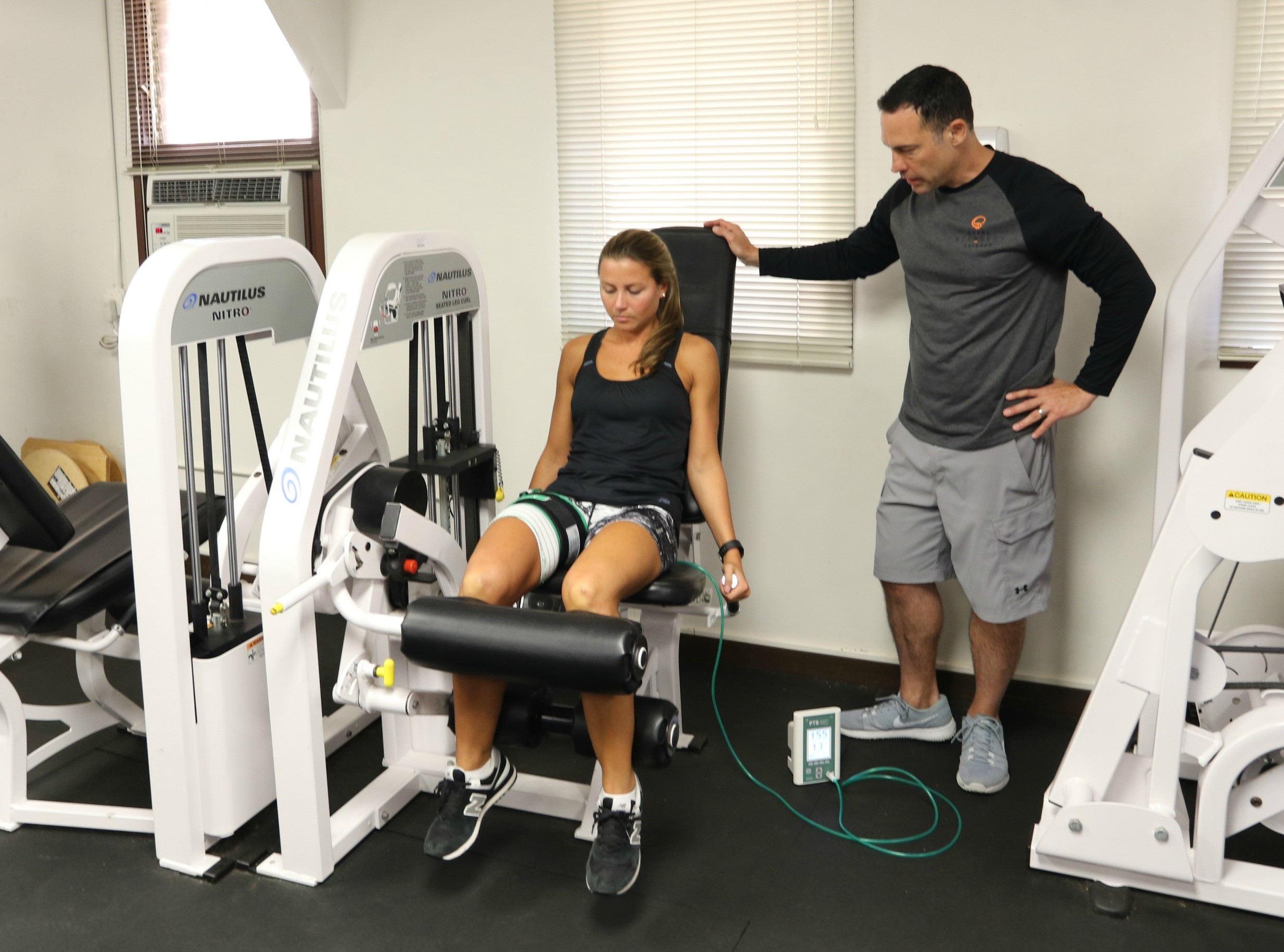 Equipment exercise physical therapy - Schofield Barracks Physical Therapists Learn Blood Flow Restriction Therapy
