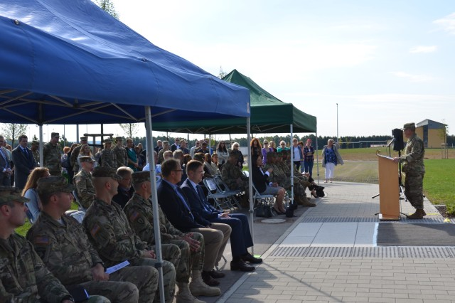 The guests at the Ansbach Health and Dental Clinic ceremony Sept. 30, 2016  listen to Col. David Richardson, commander of U.S. Army Medical Department Activity Bavaria (MEDDAC Bavaria). (U.S. Army photo: Bianca Sowders, USAG Ansbach Public Affairs)