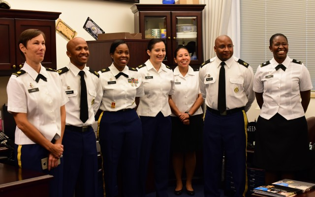 USAREC Soldiers meet with SMA Daniel Dailey