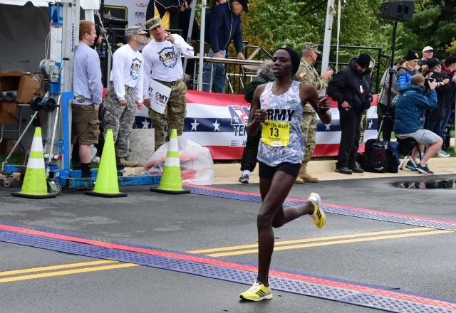 Spc. Susan Tanui finishes Army Ten-Miler