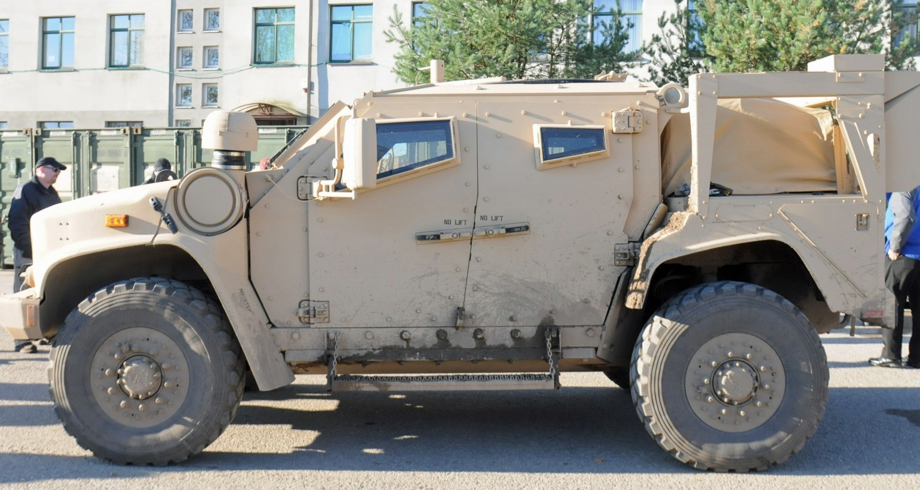 Paratroopers check-out Army's replacement for the Humvee | Article ...