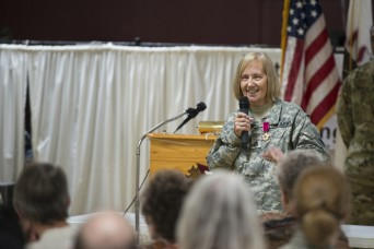 Illinois National Guard Soldier retires after 41 years