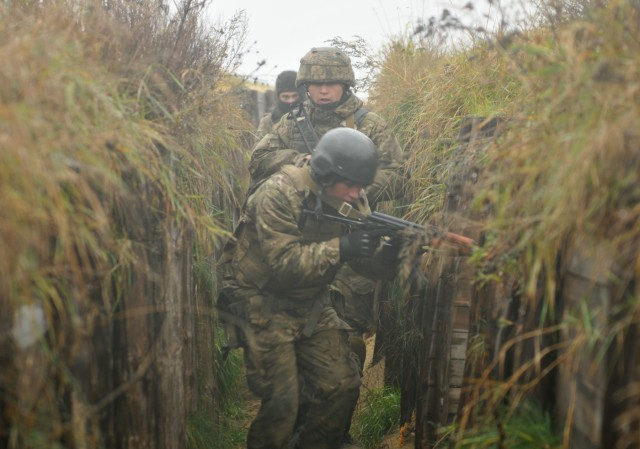 3rd ID Soldiers teach trench clearing to Ukrainian Soldiers