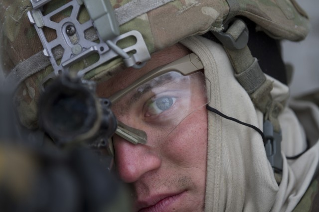 Paratroopers participate in Joint Urban Operations training