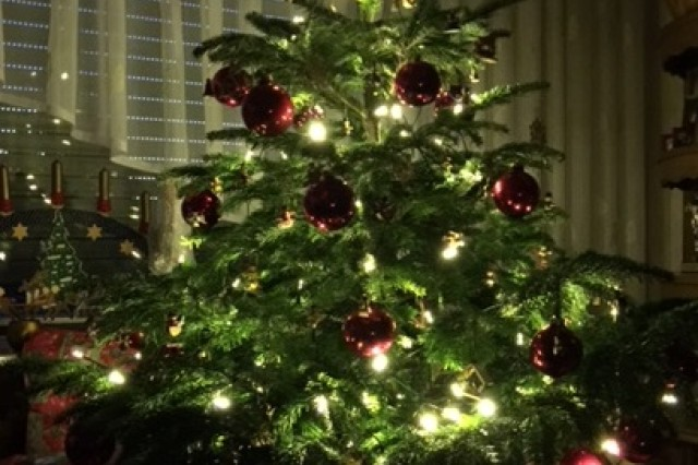 Decorating the Christmas tree is a cherished tradition in Germany.(Photo: Bianca Sowders, USAG Ansbach Public Affairs)