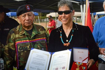 Daughter receives medal for Navaho father's service in Korea