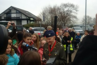Candy Bomber visits Berlin Airlift Monument for rededication