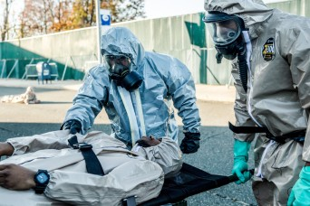New York Army National Guard Chemical Soldiers train with New York City Police Hazmat team
