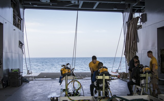 Deployed Army Divers Plunge into Operation Deep Blue