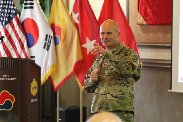 25th Infantry Division Commanding General, Maj. Gen. Christopher Cavoli conducts a question and answer segment with the 19th Expeditionary Sustainment Command Senior Leaders at Camp Walker.