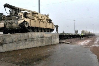 Tank brigade sets quick pace moving to Europe
