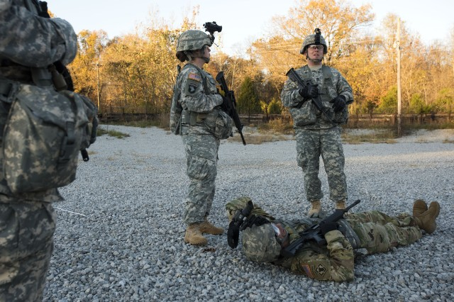 Soldiers from 1st Battalion, 409th Brigade Engineer Battalion, 4th Cavalry Multifunctional Training Brigade, First Army Division East, rehearse casualty evacuation procedures during an observer coach/trainer recertification exercise at Fort Knox, Ky., Nov. 16, 2016. First Army mandates continuous recertification of OC/Ts, ensuring that mobilizing Soldiers receive the critical feedback necessary to build and adjust their skill sets prior to deployment.