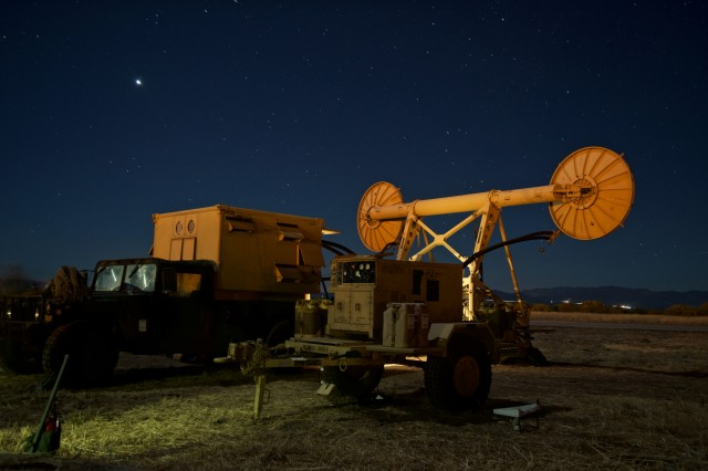 A Troposcatter communications system belonging to the 51st Expeditionary Signal Battalion points north at Bisbee-Douglas Airport in Bisbee, Ariz. Dec. 8, 2016.