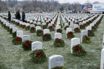 Wreaths Across America volunteers brave freezing weather to honor service members