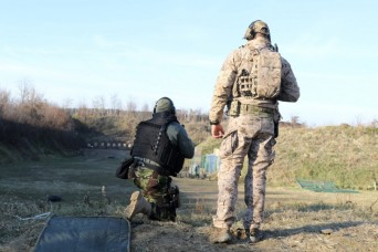 Navy SEALs builds relations with Serbian forces