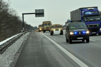 4th ID, Military Police maintain security throughout convoy to Poland