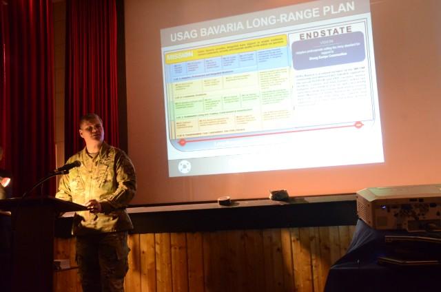 Garrison commander unveils long range plan