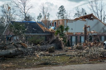 Mississippi Guard members assist tornado victims in their state