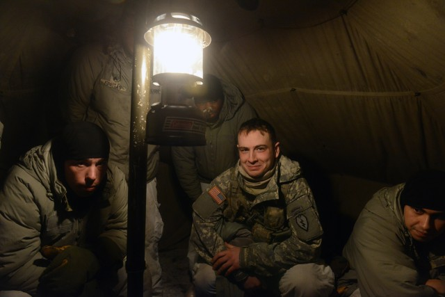 Soldier learn to stay warm, thrive in arctic conditions