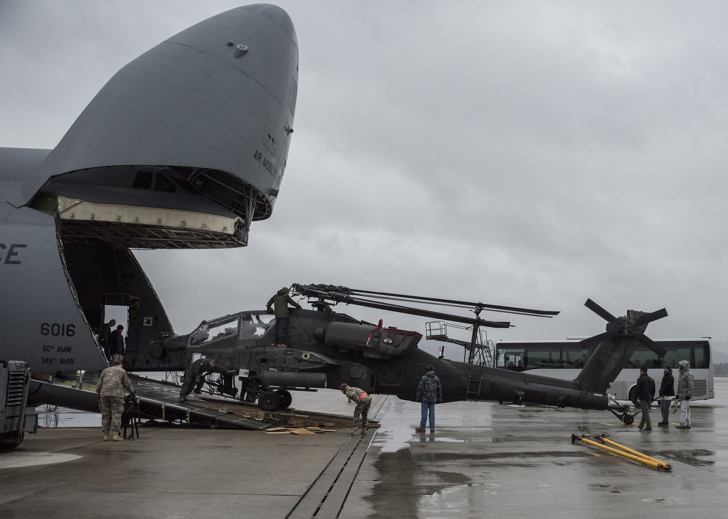 Apache helicopters flown to Germany for Operation Atlantic Resolve ...