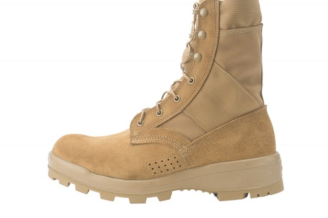 New Army jungle wear gives trench foot the boot | Article | The ...
