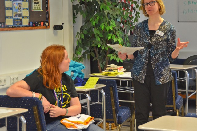 Katja Pinkston, with the Military Child Education Coalition, conducts a workshop at the Youth Job and Volunteer Expo.