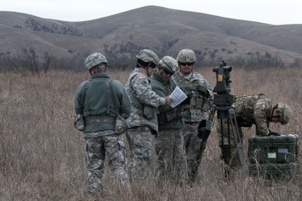 Oklahoma Army National Guard Aviators and Field Artillery work together in Air Assault Training