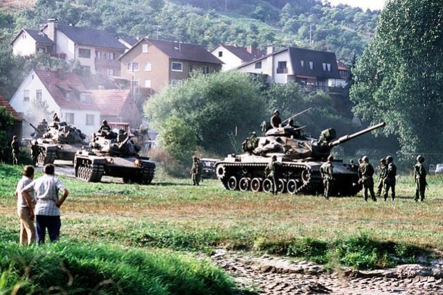 Tanks during REFORGER, 1982.