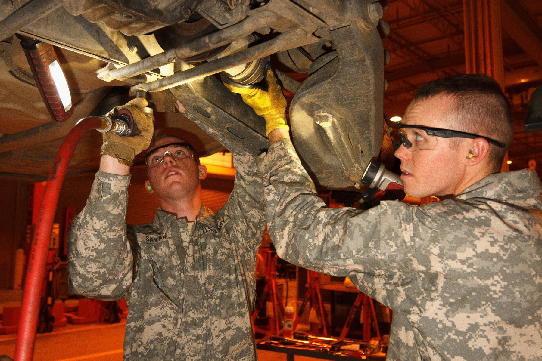 Arizona Guard Soldiers Provides Maintenance Support To The