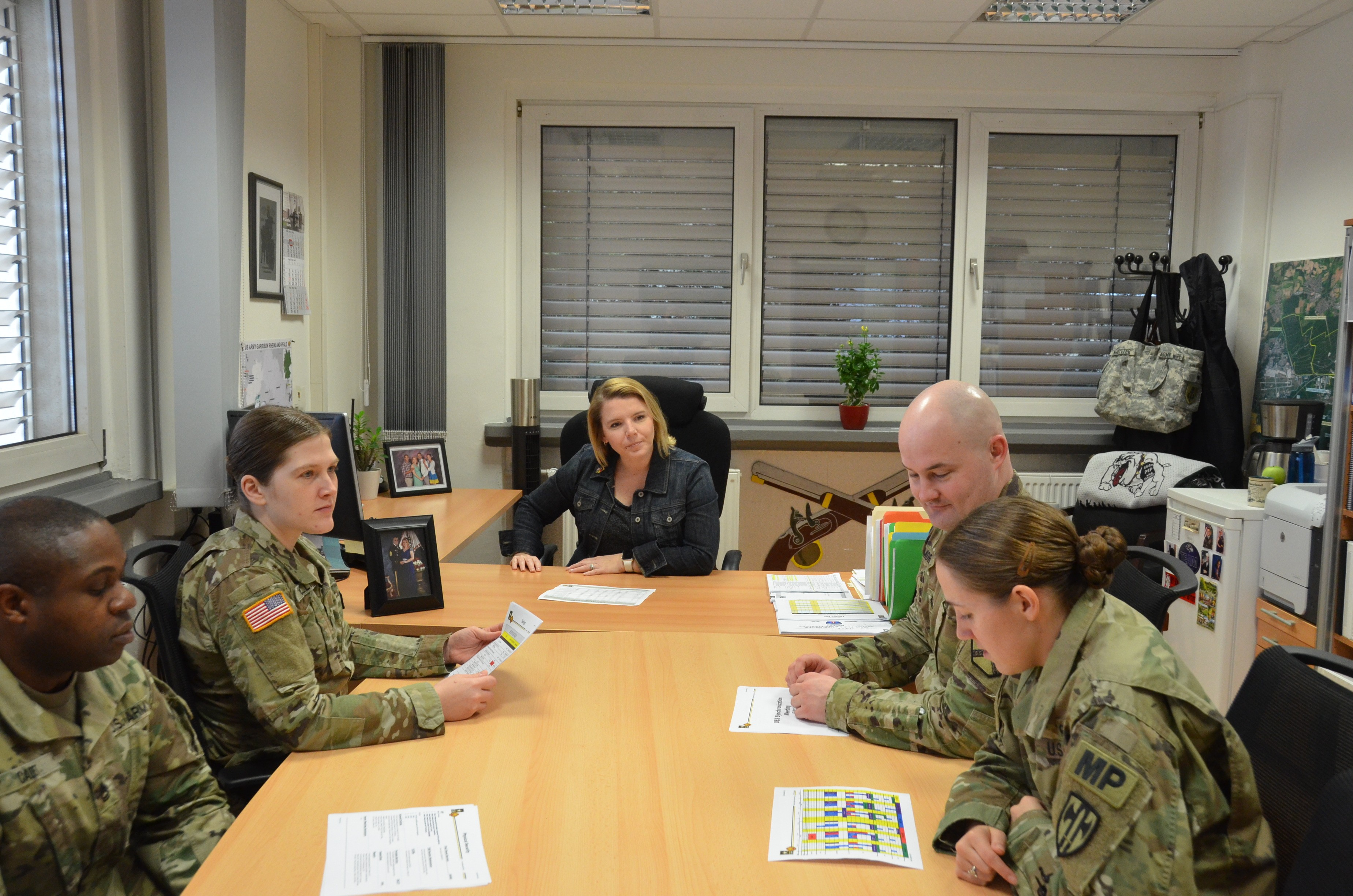 DES deputy earns garrison\'s Military Spouse of the Year honors ...
