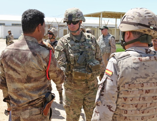 Maj. Gen. Martin talks with Iraqi soldiers about their training