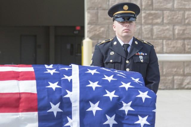 Army Guard funeral honor guard members hone advanced skills
