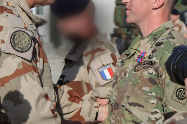 82nd airborne paratrooper receives french award for - French div 2 ...