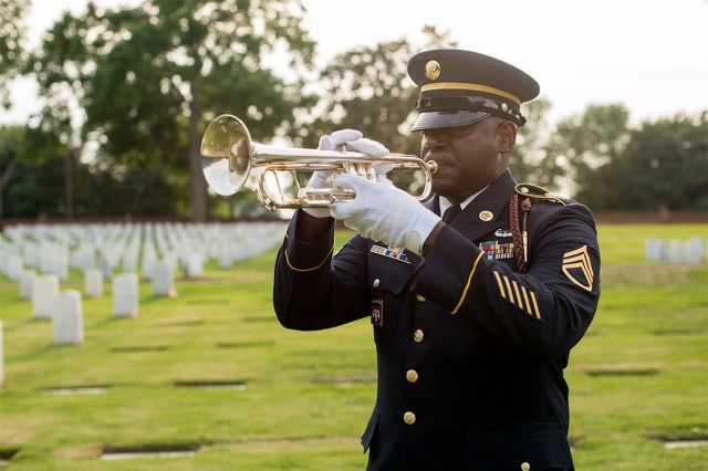 The North Carolina National Guard's military funeral honors team renders professional and dignified honors in accordance with service tradition, to all eligible service members, retirees, and veterans when requested by an authorized family member or representative.