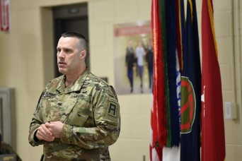 Command briefs new Reserve leaders on readiness requirements