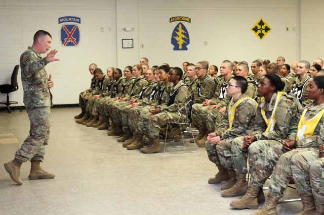 High schoolers enter Army through Split Option program