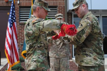 926th Contracting Battalion cases its colors at Inactivation Ceremony