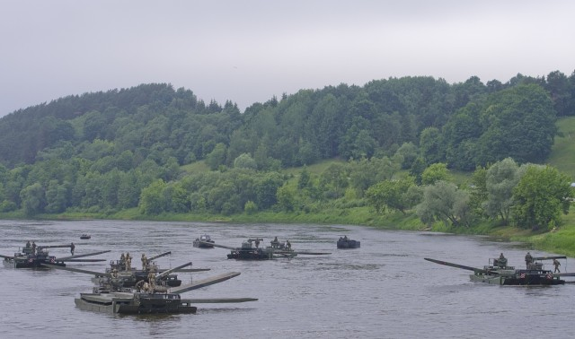 Lithuanian President and NATO SYG observe eFP Battle Groups' Training Exercise