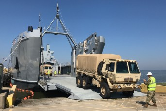 Virginia Guard transporters train with active duty on rail and water operations
