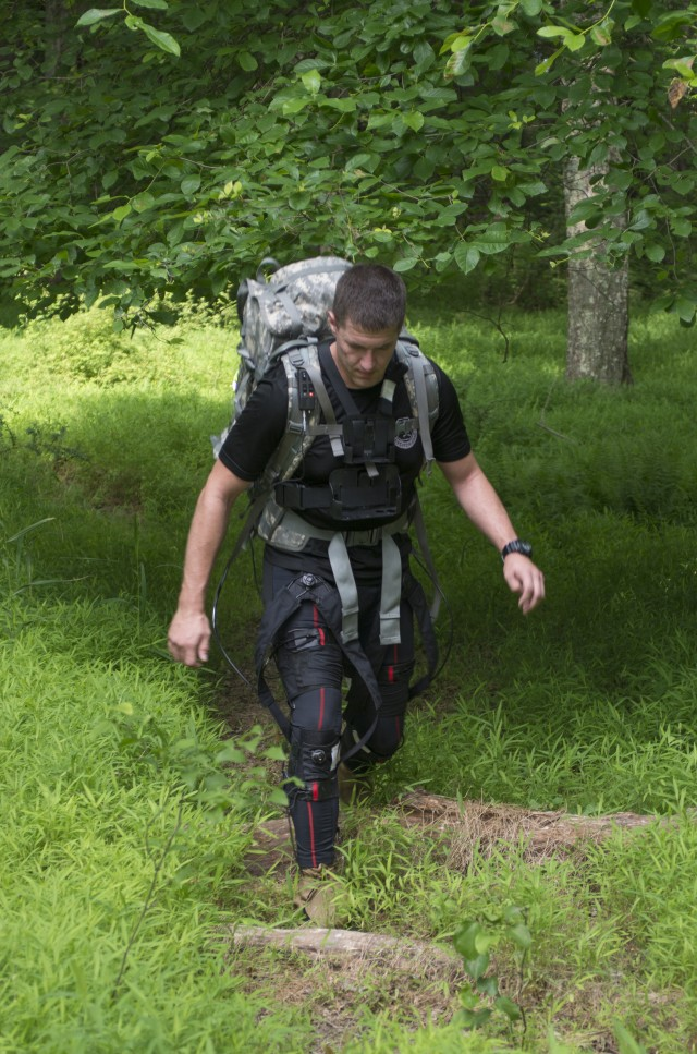 Prototype exoskeleton suit would improve Soldiers' physical, mental performance